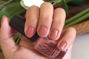 Java mauve-a de OPI, a prueba. Swatches y review