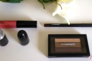 Look in a box by MAC: All about coral