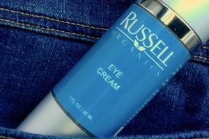 Russell Organics, contorno de ojos a prueba